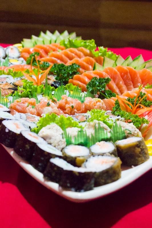 Experimente nosso Combinado Master. É você que monta o combinado, selecione os sushis que mais gosta que o resto é com a gente!